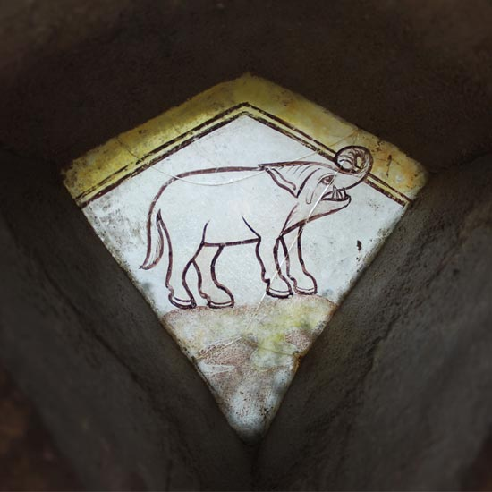 QR-Bank-StainedGlass-MarshamParishChurch-Elephant